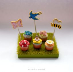 ReMent Cupcakes On Grass