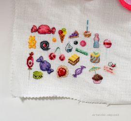 Stitchtember20-RedLollipop